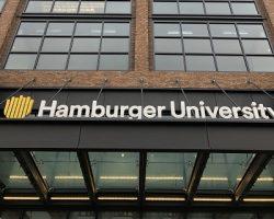 В Москве появился «Hamburger University»