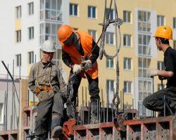 Стали известны усредненные зарплаты специалистов строительной отрасли