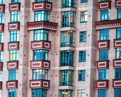 Жилая недвижимость: аналитики о количестве сделок дороже $1 миллиона
