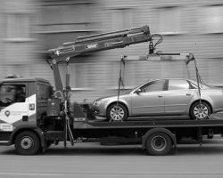 Эвакуированные авто: аналитики пересчитали количество с начала года