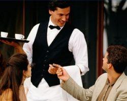 Как форма официантов и барменов влияет на доход заведения