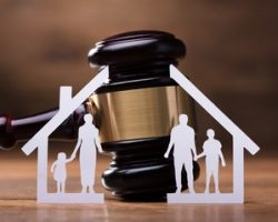 Какую помощь оказывает адвокат по семейным делам