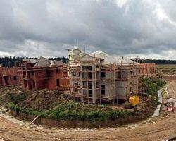 Подмосковье: эксперты зафиксировали более 100 брошенных коттеджных поселков