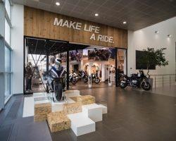 «BMW Motorrad»: в Москве начал работать первый шоу-рум с зоной «Heritage»