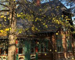 На аукционе будет продан дом в неорусской стилистике