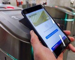 Москвичи активно используют банковские карты для оплаты поездок