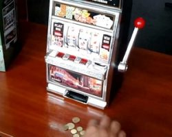 Играть в автоматы на деньги в казино Wylckans
