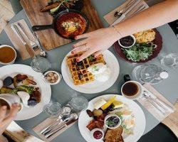 Столичные рестораны перешли на формат доставки еды