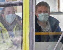 В МО более 300 автобусов перевозят врачей