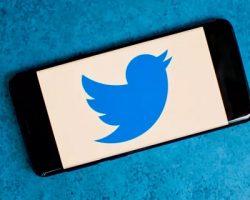 «Twitter» подала иски к приставу в Москве