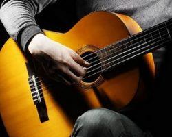 Как научиться подбирать аккорды на гитаре?