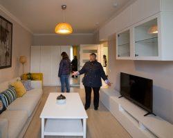 Москвичи приобретают значительно более компактное жилье