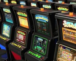 Яркий внешний вид и постоянные гонки в онлайн казино