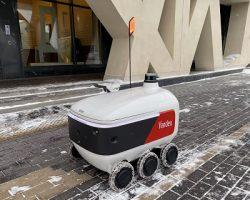 «Яндекс» сообщил о работе московских роботов-курьеров